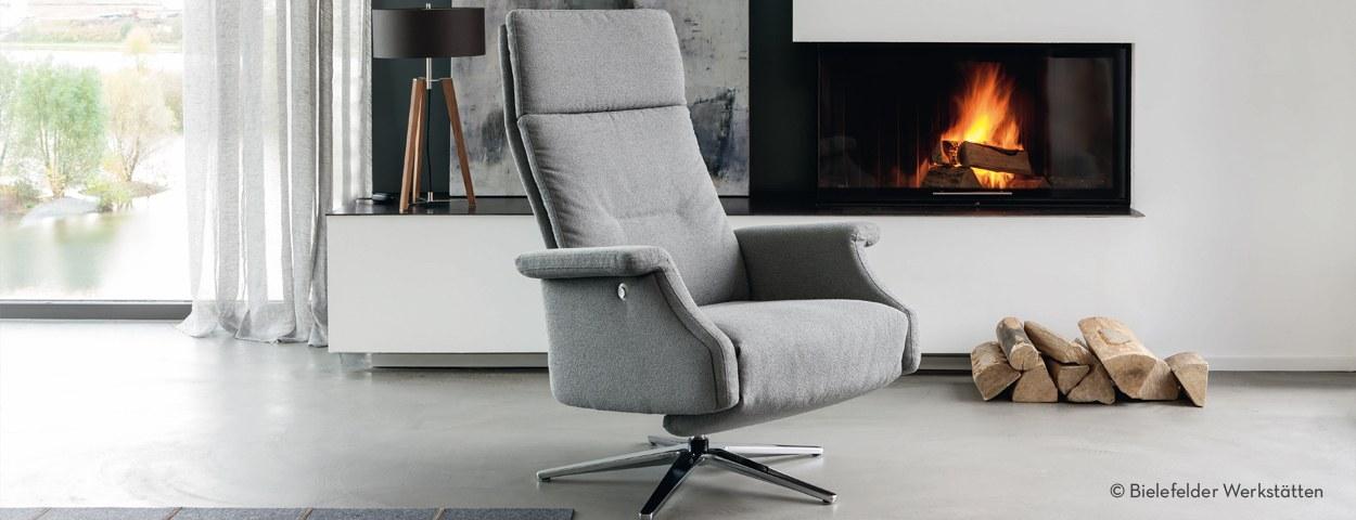 exklusive fernsehsessel und funktionssessel von hochwertigen m bel marken online bestellen. Black Bedroom Furniture Sets. Home Design Ideas
