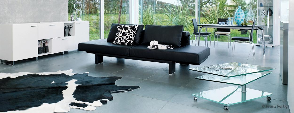 Designer couchtische und beistelltische online bestellen for Couch und beistelltische