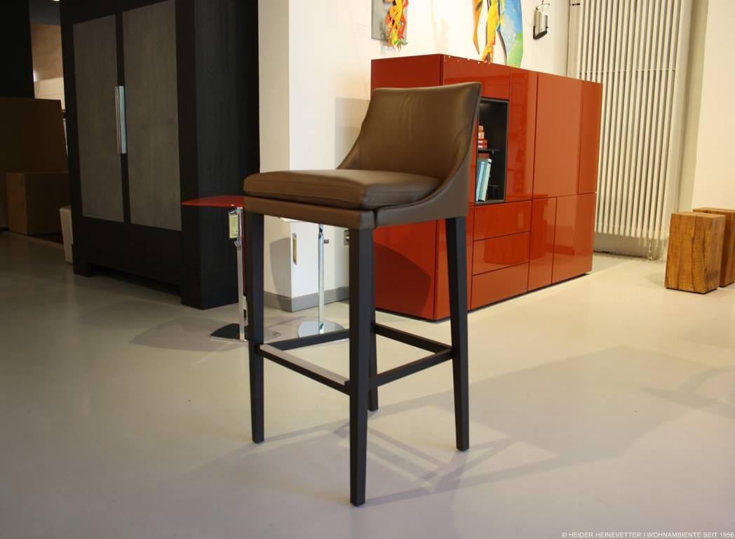 bielefelder werkst tten barhocker saloni leder braun. Black Bedroom Furniture Sets. Home Design Ideas