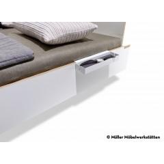 Müller Möbelwerkstätten-MÜLLER MÖBELWERKSTÄTTEN Ablage kurz weiß zu Bett Flai-03